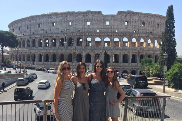 the-colosseum-girls